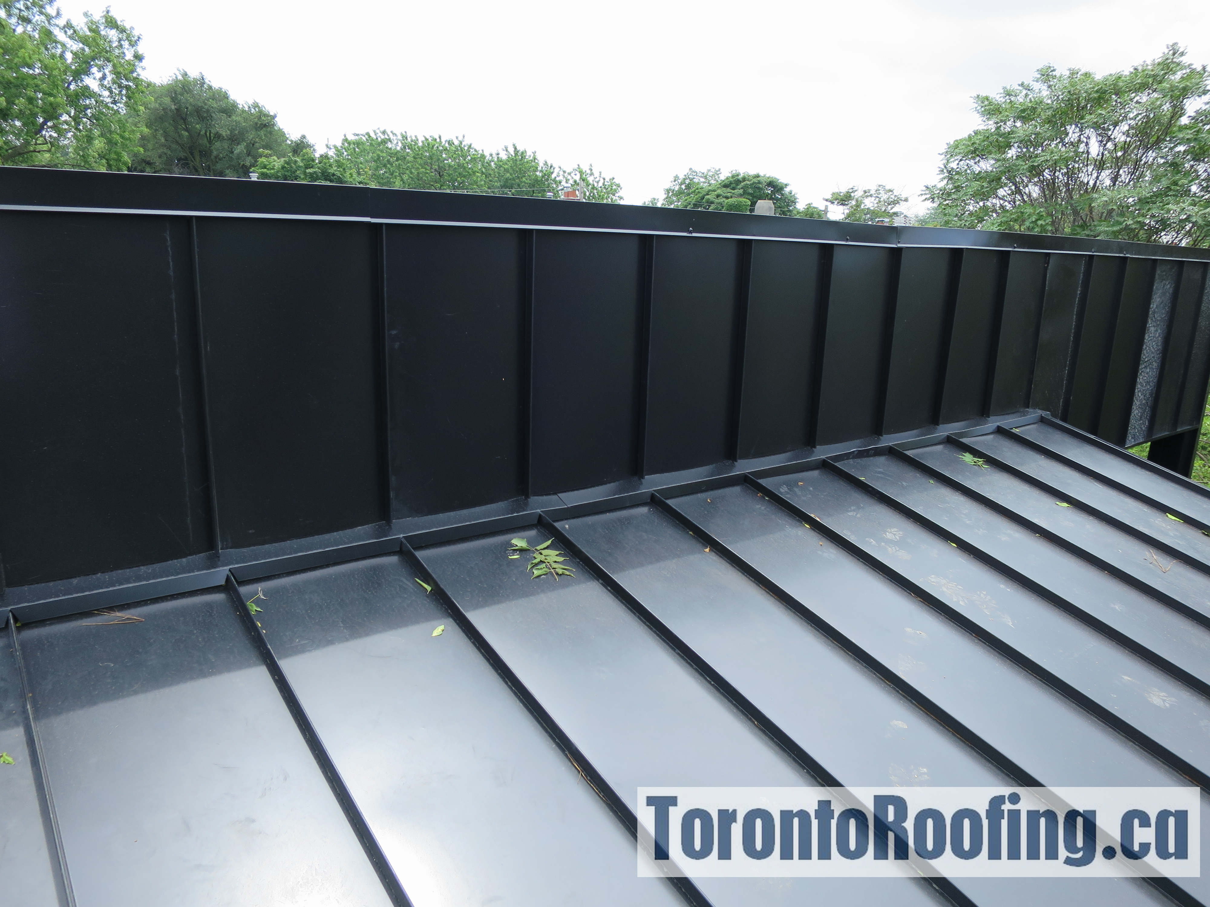 toronto-roofing-standing-seam-metal-roof-roofing-toronto-metal-roofing-roofing-contractor-2