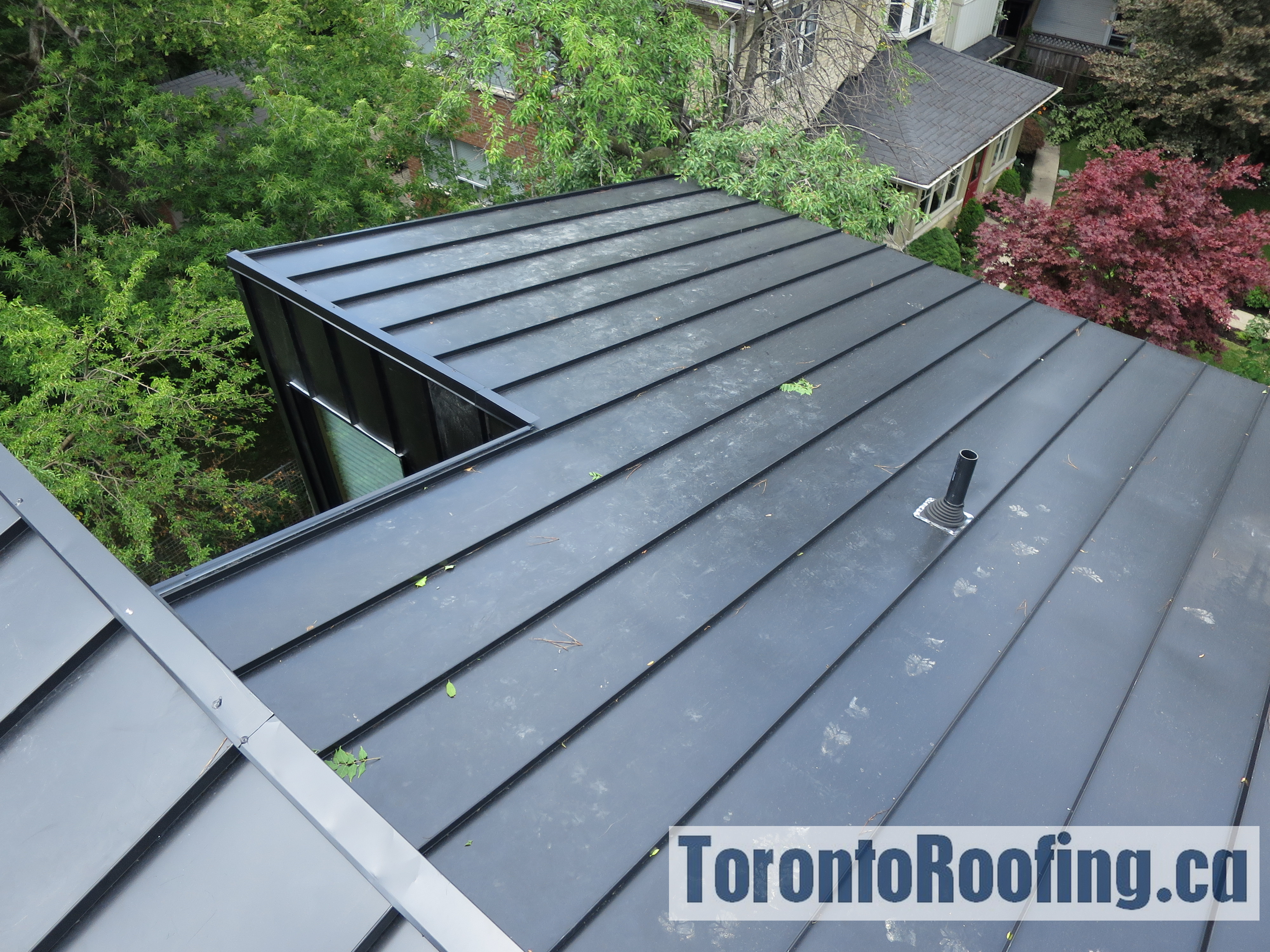 toronto-roofing-standing-seam-metal-roof-roofing-toronto-metal-roofing-roofing-contractor-4