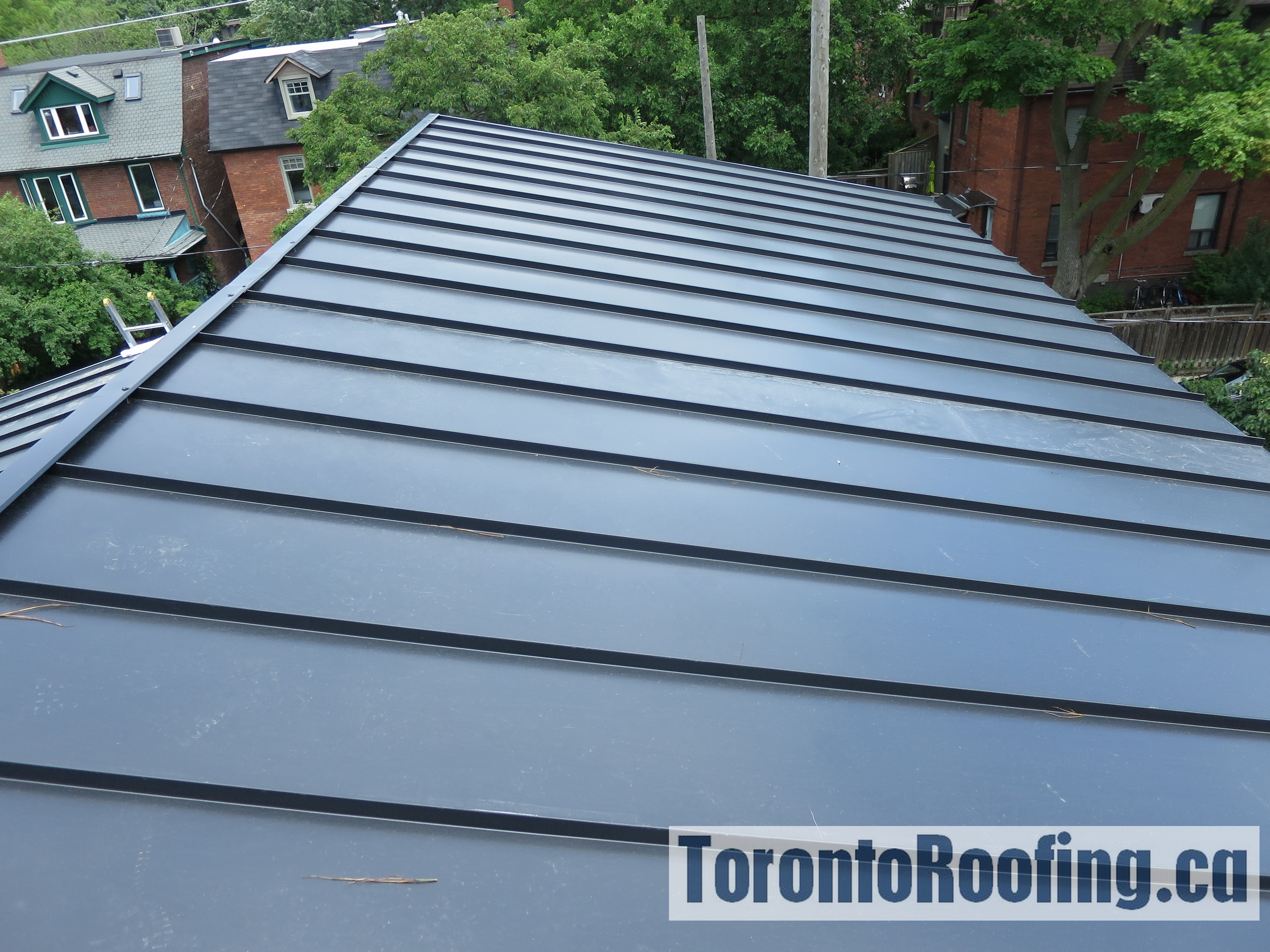 toronto-roofing-standing-seam-metal-roof-roofing-toronto-metal-roofing-roofing-contractor-6