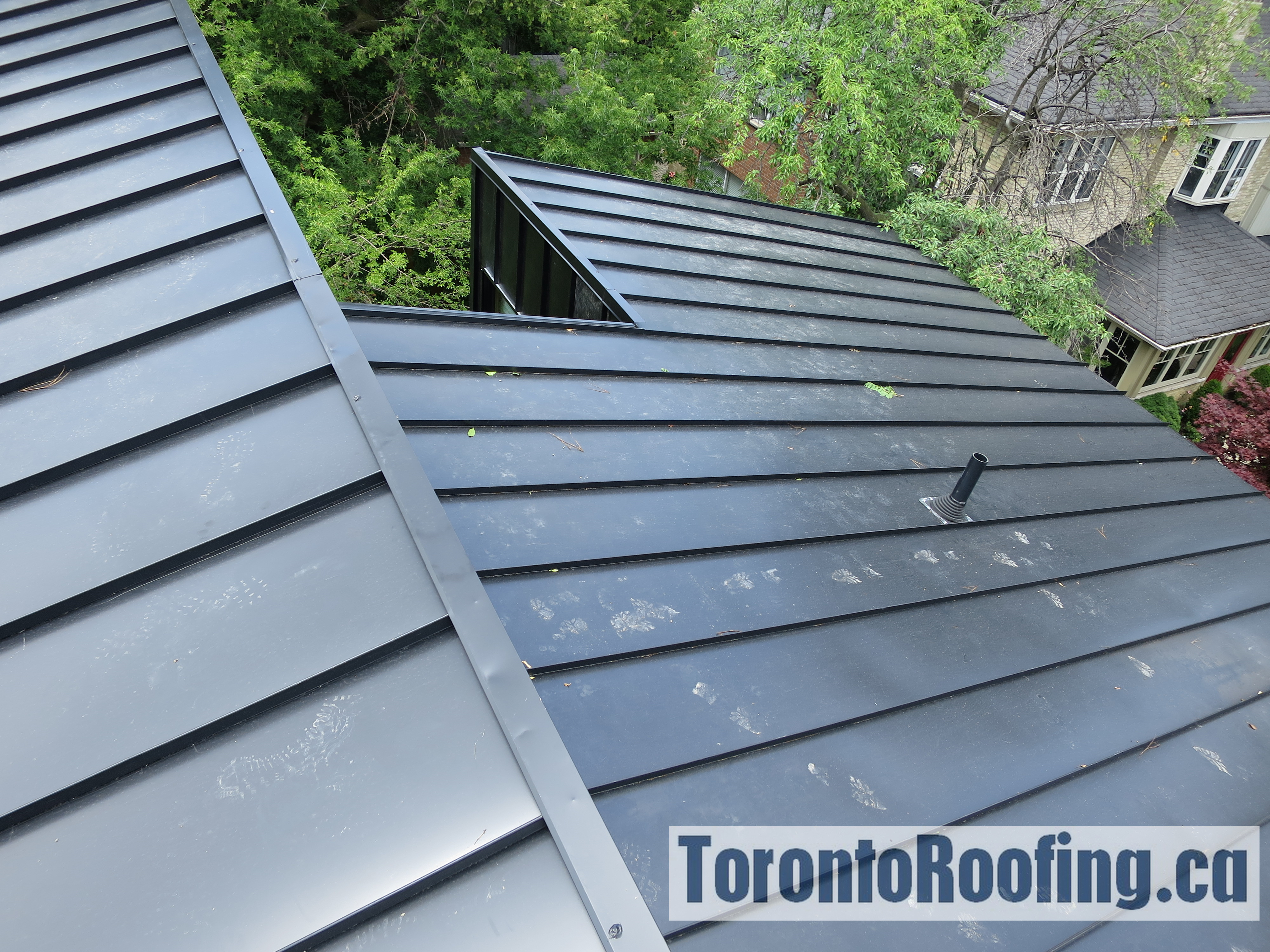 toronto-roofing-standing-seam-metal-roof-roofing-toronto-metal-roofing-roofing-contractor-9