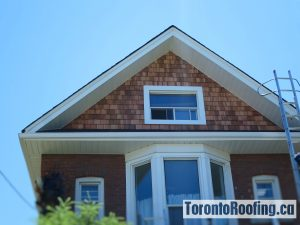 Cedar Shingles On Mansard Roof Wall Torontoroofing Ca